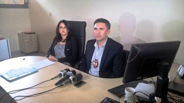 Após três dias de busca, a Polícia Civil em parceria com a Polícia Militar de Rondônia encontraram o principal suspeito de ter matado mãe e filho na segunda-feira (18), e...