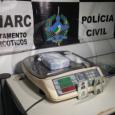 A Polícia Civil do Estado de Rondônia, por meio do Departamento de Narcóticos (Denarc), realizou a prisão da dupla identificada como André R. R., 19, e Manoel C. L., 41,...