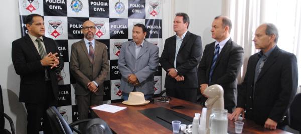 A Delegacia-Geral da Polícia Civil do Estado de Rondônia promoveu na manhã desta quarta-feira (06/11), alguns ajustes administrativos com objetivo de melhor atender as necessidades institucionais. Durante a solenidade, o...