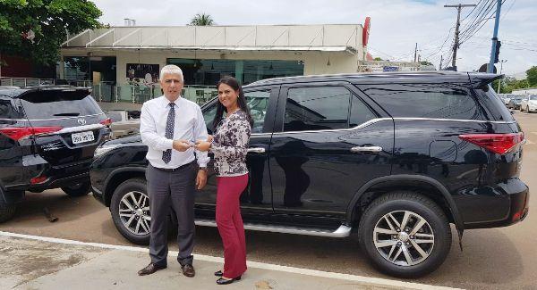 Na última sexta-feira (12/01), a Coordenadora Executiva do Fundo Especial de Reequipamento Policial (FUNRESPOL), Arizete Fernandes, fez a entrega de dois veículos modelo Toyota SW4 ao Delegado-Geral da Polícia Civil,...