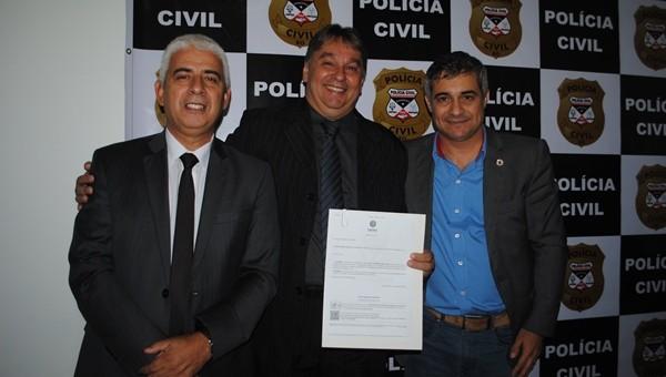 Na manhã desta última sexta-feira (16/03), o Delegado-Geral da Polícia Civil do Estado de Rondônia, Eliseu Muller, nomeou o novo Diretor do Departamento de Estratégia e Inteligência (DEI) e da...