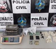 A Polícia Civil do Estado de Rondônia, por meio do Departamento de Narcóticos (Denarc), realizou a prisão em flagrante de Jorge A. A., 26 anos, e Paulo V.M.M., 28 anos....