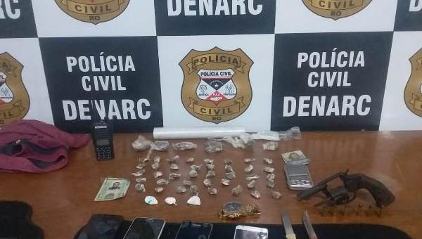 A Polícia Civil do estado de Rondônia, por meio do Departamento de Narcóticos (Denarc), apreendeu na tarde de terça-feira (21/05), um revolver calibre 32 e várias porções de entorpecentes em...
