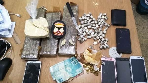 A Polícia Civil do Estado de Rondônia, por meio da Delegacia de Machadinho D'Oeste, efetuou a prisão de três pessoas acusadas pela prática do crime de tráfico de drogas. A...