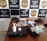 A Polícia Civil do Estado de Rondônia, por meio do Departamento de Narcóticos (Denarc), prendeu na tarde desta segunda-feira (08/07), a nacional Bruna G. F., flagrada com duas armas de...
