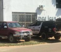 A Polícia Civil do Estado de Rondônia, por meio do Serviço de Investigação e Captura (SEVIC) de São Francisco do Guaporé, recuperou uma camionete da marca Toyota, modelo Hilux, ano/1999,...
