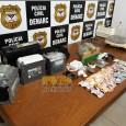 Três irmão foram presos na noite desta quarta-feira (15), após serem flagrados comercializando drogas em um salão de beleza que era usado de fachada para a boca de fumo na...